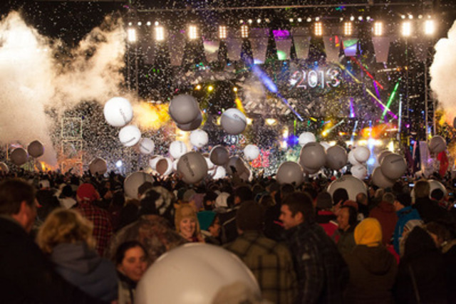 A record 65,000 people flocked to Queen Victoria Park in Niagara Falls for the 2012 #ETCanadaNYE bash (CNW Group/Global Television)