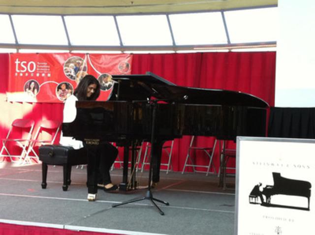 Michelle Milligan, une des deux jeunes prodiges du quartier torontois de Regent Park qui ont été sélectionnées par l'Orchestre symphonique de Toronto et la Banque CIBC pour participer au concert du pianiste de renommée mondiale Lang Lang. (Groupe CNW/Banque CIBC)