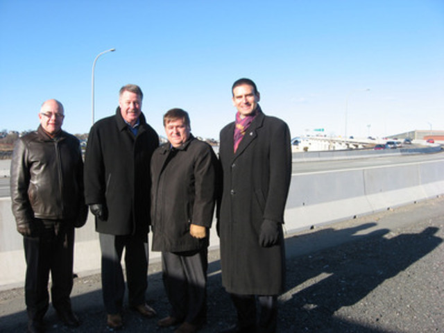 Left to right: Board Chair for the Saint John Port Authority Peter Gaulton, Saint John MP Rodney Weston, New Brunswick Transportation and Infrastructure Minister Claude Williams and Saint John Mayor Mel Norton. (CNW Group/Government of Canada)