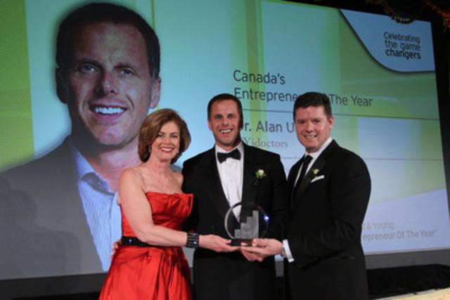 Colleen McMorrow, directrice nationale du Grand Prix de l'Entrepreneur avec l'Entrepreneur de l'année 2012 d'Ernst & Young, le Dr Alan Ulsifer de FYidoctors, et Trent Henry, Président et chef de la direction d'Ernst & Young (Groupe CNW/Ernst & Young)