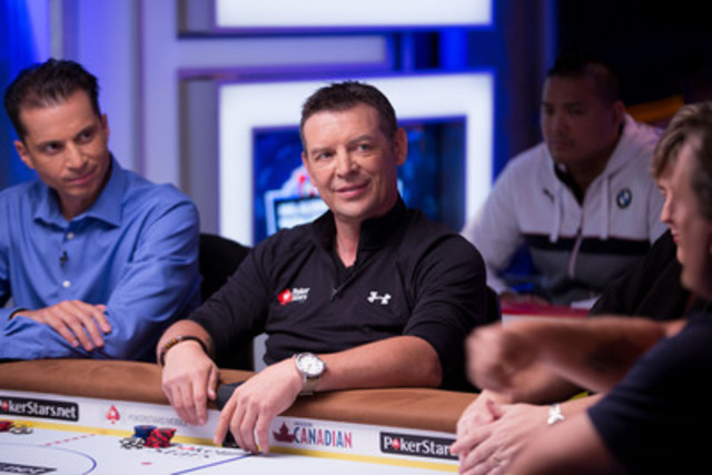 Theo Fleury participating in the PokerStars.net NHL Alumni Charity Poker Tournament. (CNW Group/Little Warriors)