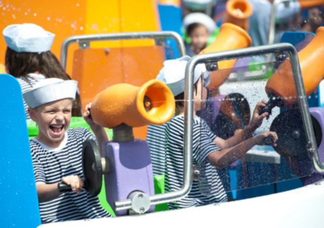 C'est ce matin qu'Aqua Twist, le nouveau manège aquatique, interactif et familial de La Ronde, a accueilli ses premiers passagers. (Groupe CNW/La Ronde)