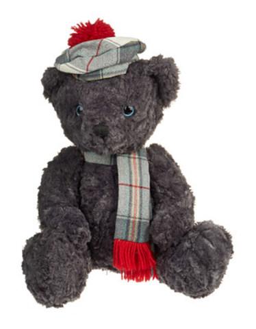 Le tartan remplace le noir : La Fondation HBC lance le 11e ourson caritatif du patrimoine en l'honneur d'un aventurier écossais, le docteur William Tolmie. (Groupe CNW/la Baie d'Hudson)