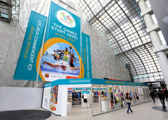 Les Jeux commencent ici! - La Boutique officielle de TORONTO2015 au Eaton Centre est ouverte! (Groupe CNW/Jeux pan/parapanaméricains de Toronto 2015)