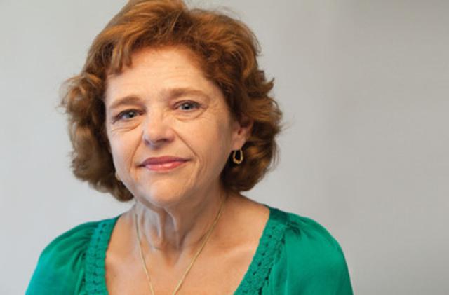 Maureen Smith a 53 ans et réside à Ottawa. Elle a vécu toute sa vie avec une maladie hormonale rare. Son corps ne produit aucune hormone de croissance et sans médicaments innovateurs - elle serait certainement invalide ou ne serait plus là pour en parler (Groupe CNW/LES COMPAGNIES DE RECHERCHE PHARMACEUTIQUE DU CANADA (RX&D))
