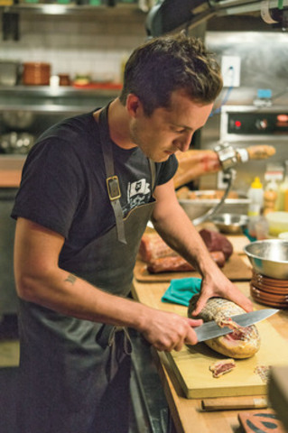 Photo by John Cullen courtesy of Air Canada's enRoute magazine. Chef Grant van Gameren of Bar Isabel, Toronto, winner of enRoute's Canada's Best New Restaurant 2013 (Groupe CNW/ENROUTE)