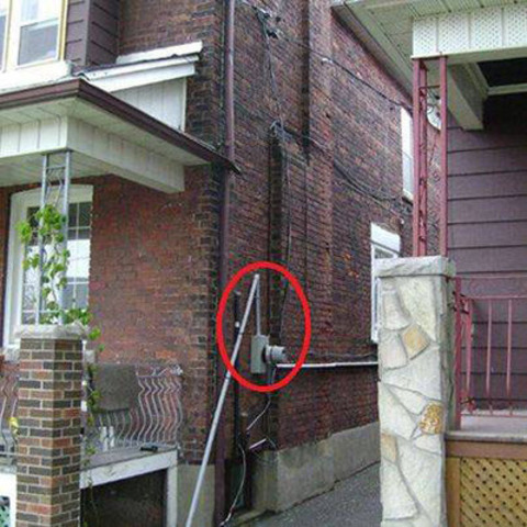 Example of damaged standpipe (CNW Group/Toronto Hydro Corporation)