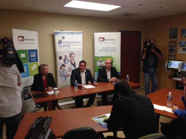 De gauche à droite : Julie Whissel, directrice adjointe au soutien technique et informationnel du CSSS de Gatineau, Marc Villeneuve, directeur général de la Fondation Santé Gatineau et Jacky Chatelais, président d'Extenway(MD). (Groupe CNW/Extenway Solutions Inc.)