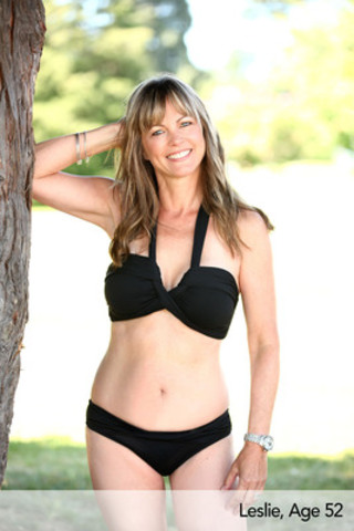 Leslie, Age 52, Goddess Bandeau and Twist Hipster by Seafolly. (CNW Group/Swimco)