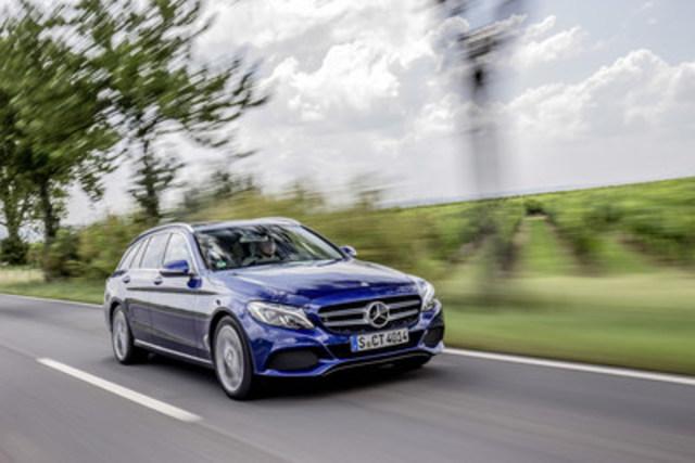 Mercedes-Benz Canada va agrandir la famille des modèles de Classe C en lançant la nouvelle familiale cette année. Cette voiture séduit par son design fluide et sportif qui suscite l'émotion, ainsi que par ses technologies innovantes, sa grande modularité et son généreux volume de chargement. (Groupe CNW/Mercedes-Benz Canada Inc.)