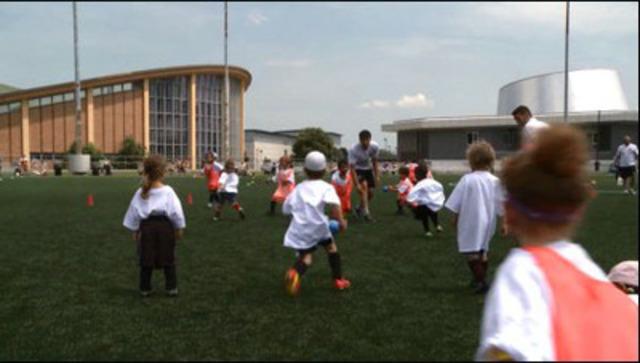 Vidéo: Des enfants prédisposés à de graves allergies ont participé à un stage de soccer organisé par l'Impact de Montréal et Allerject(MC)