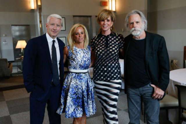 Anderson Cooper, Sara Gottlieb, Karen Simpson-Radomski and Bob Weir (CNW Group/Canadian Friends of the Hebrew University of Jerusalem)