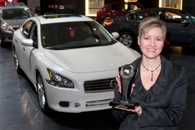 Today Judy Wheeler, Director of Marketing at Nissan Canada, accepted two ALG Residual Value Awards for Nissan vehicles including the Nissan Maxima in the Fullsize Car category. (CNW Group/Nissan Canada Inc.)
