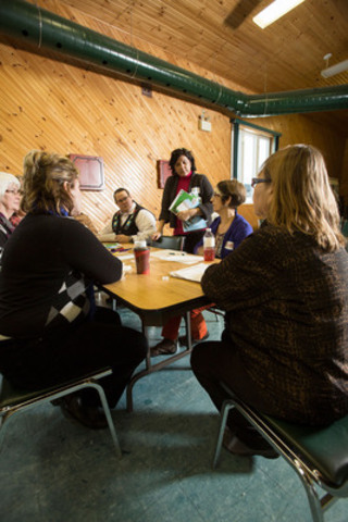 North Shore Tribal Council facilitators co-delivering a community wellness workshop with staff from the Canadian Foundation for Healthcare Improvement. (CNW Group/Canadian Foundation for Healthcare Improvement)