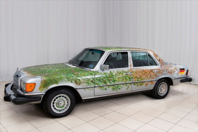 """Tom Forrestall's """"A Car For All Seasons"""" exhibited at renowned New Brunswick Beaverbrook Art Gallery (CNW Group/Mercedes-Benz Canada Inc.)"""