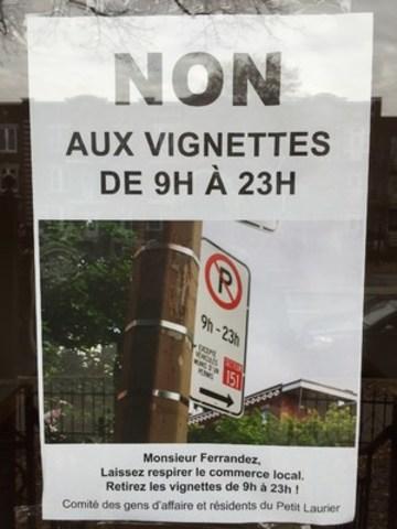 Affiche dans les bureaux de professionnel sur le boulevard St-Joseph (Groupe CNW/Comité de résidents et gens d'affaires du Petit Laurier)