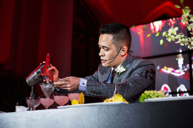 Mike Shum from Vancouver BC wins Canadian BACARDI Legacy Cocktail Competition (CNW Group/BARCARDI Legacy)