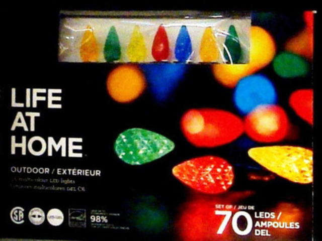 Lumières extérieures DEL Life at Home, emballages de 70 - multicolores (Groupe CNW/Les Compagnies Loblaw limitée)