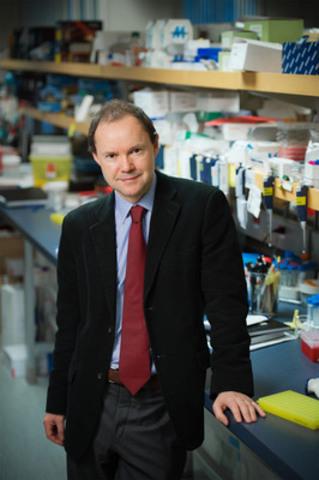 Dr. David Huntsman (CNW Group/Ovarian Cancer Canada)