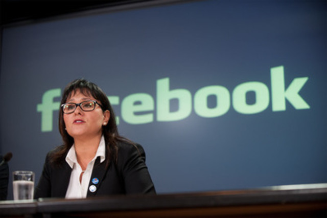 On September 18, 2012, the Honourable Leona Aglukkaq, Minister of Health, was joined by Jordan Banks, Managing Director of Facebook Canada and Helene Campbell, double-lung transplant recipient, to launch a new Facebook organ donation initiative in Canada. (CNW Group/Health Canada)
