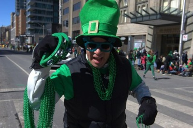 Toronto will get jiggy on Sunday! The Toronto St. Patrick's Day Parade hits the streets on Sunday, March 13 starting at noon. A St. Patrick's Day tradition in the city, the parade features more than 100 marching sections, bands and floats. www.stpatrickstoronto.com (CNW Group/St. Patrick's Parade Society)