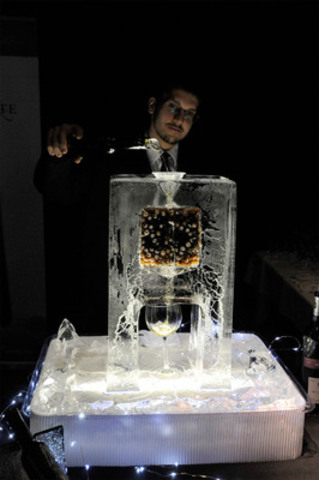 Icewine Luge at the Icewine Gala. (CNW Group/Wine Country Ontario)