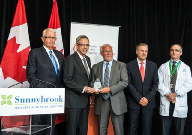 The Honourable Joe Oliver, Minister of Finance and Minister responsible for the Greater Toronto Area, presents the LEADing Practice Award to Sunnybrook Health Sciences Centre on behalf of Canada Health Infoway and Accreditation Canada. The award recognizes Sunnybrook's leadership in the advanced use of technology in clinical practice with its SunnyCare ambulatory electronic medical record system. (L-R: Don Valley West MP John Carmichael; The Honourable Joe Oliver; Sunnybrook CEO Barry McLellan; Michael Green, CEO, Canada Health Infoway; and Dr. Ed Etchells, Sunnybrook) (CNW Group/Canada Health Infoway)