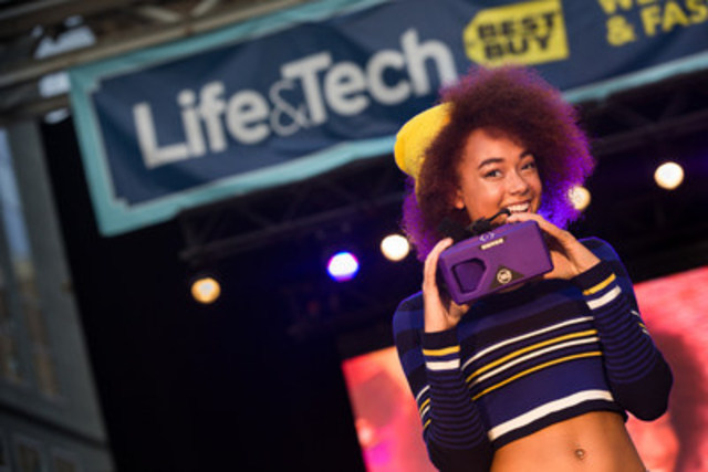 """Model displays the latest wearable tech and fall fashions at Best Buy Canada''s Life & Wearable Tech Expo and Fashion Show today at Yonge-Dundas Square."""" Photographer: Danylo Bobyk. (CNW Group/Best Buy Canada)"""