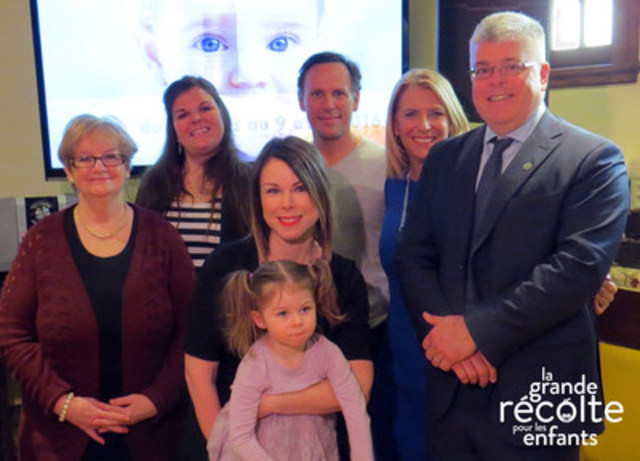 The Great Food Drive for Children's spokespeople with 3 Moisson representatives. From left to right: Kathleen Gagnon, Executive Director of the Centre de bénévolat et moisson Laval, Lysa Villeneuve at Moisson Rive-Sud, Claudia Marques with her daughter, Stéphane Demers, Jamie Orchard and Richard D. Daneau, Executive Director of Moisson Montréal (CNW Group/Moisson Rive-Sud)
