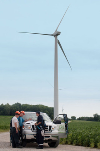 Workers prepare for the day at Erie Shores Wind Farm - Port Burwell, Ontario (CNW Group/Canadian Wind Energy Association)