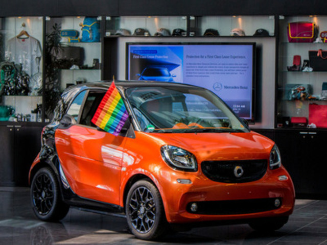 The completely re-designed new generation 2016 smart fortwo (CNW Group/smart Canada)