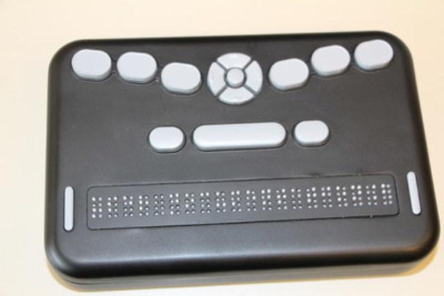 Lancement du premier afficheur braille à coût abordable (Groupe CNW/INCA)