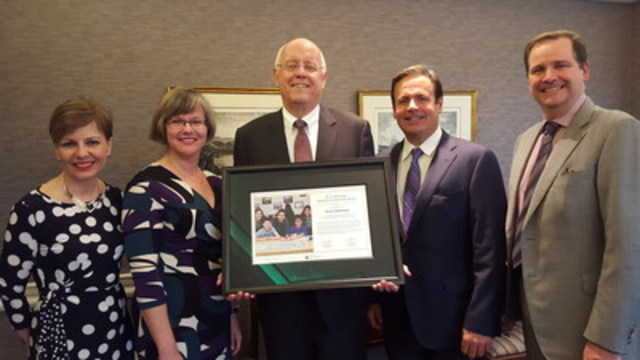 JA Central Ontario and JA Canada present Mr. Russ Robertson with the H.E. Miskiman National Leadership Award. Pictured from left to right -  JA Central Ontario, President & CEO Jane  Eisbrenner,  JA Canada Interim President & CEO, Karen Gallant, Mr. Russ Robertson, JA Canada Board member, Neil Harrison and JA Canada Board Chair, Kevin Dane. (CNW Group/JA Canada)