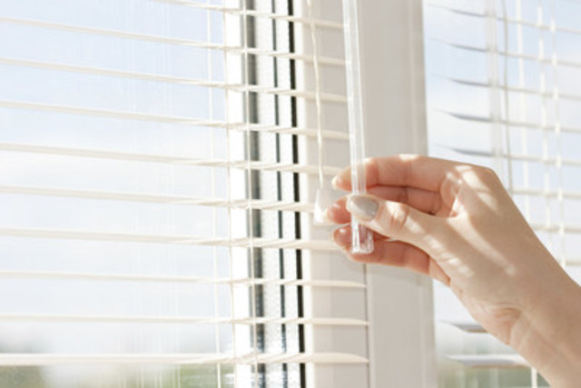 Closing blinds during the day can help keep your home cool (CNW Group/Toronto Hydro Corporation)