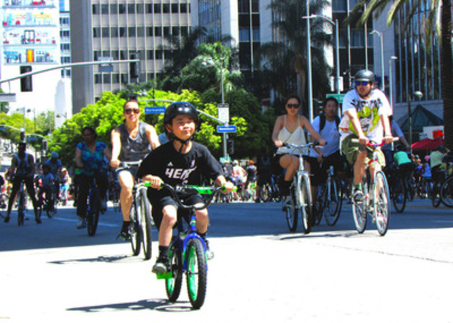 Boy practices biking skills at Open Streets in Los Angeles (CNW Group/Open Streets Toronto)