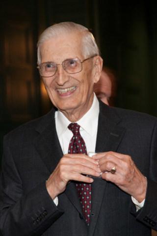 Sydney Jackson, ancien président du conseil et chef de la direction de Manuvie (Groupe CNW/Société Financière Manuvie)
