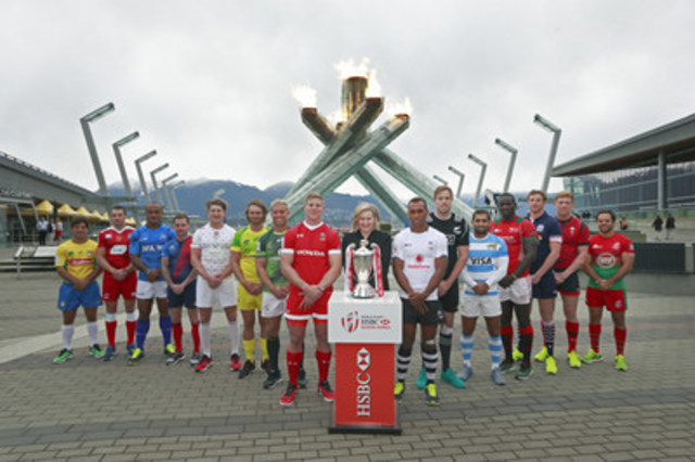 HSBC World Rugby Sevens captains; Sandra Stuart, President & CEO, HSBC Bank Canada at the 2010 Olympic Cauldron, Vancouver, BC – March 9 2016. (CNW Group/HSBC Bank Canada)