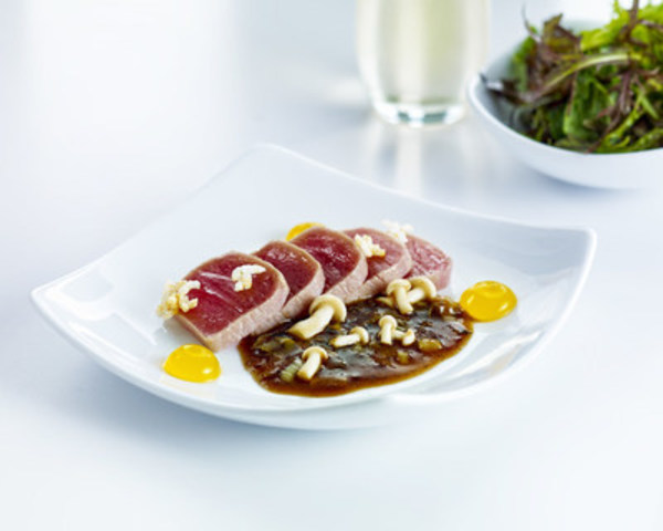 Yellowfin Tuna Tataki (CNW Group/Air Canada)