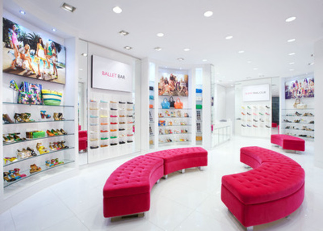 Nine West redefines shopping at Yorkdale Mall with signature flagship store (CNW Group/Nine West)
