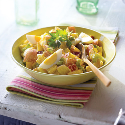 Curried Egg and Potato Salad (CNW Group/Canadian Egg Marketing Agency)