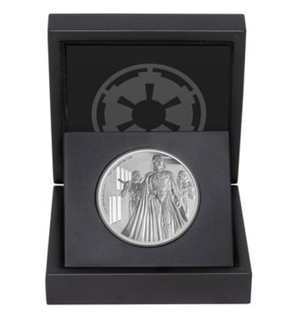 Intérieur du coffret renfermant la pièce en argent Darth Vader (Groupe CNW/Banque Canadienne Impériale de Commerce)