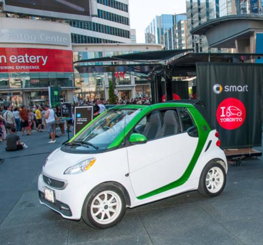smart Canada a le plaisir d'annoncer qu'elle sera le commanditaire automobile exclusif de la célébration WorldPride 2014 qui aura lieu à Toronto, en Ontario, du 20 au 29 juin. (Groupe CNW/smart Canada)