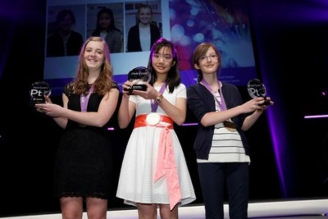 The Canada-Wide Science Festival 2016 Grand Winners: Katherine Teeter, Kayley Ting and Sophie Hoye Pacholek (CNW Group/Canada-Wide Science Festival)