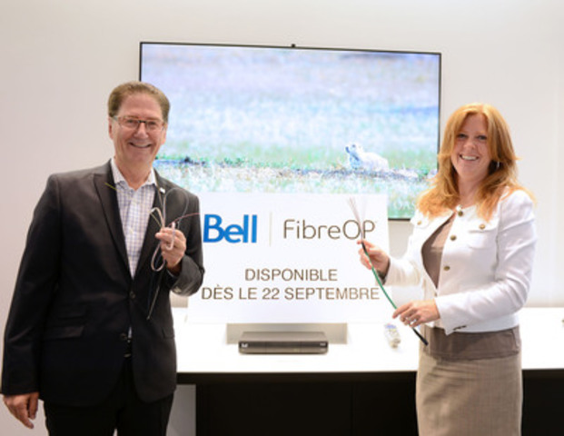 Celebrating the launch of FibreOP in three communities in Quebec : Luc Vandal, Sales Manager, Eastern Quebec, ...