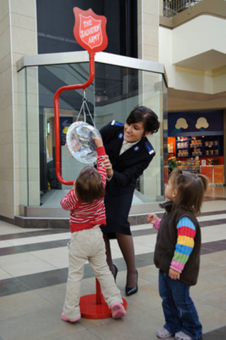 The Salvation Army's annual Christmas campaign is one of Canada's most significant and recognizable annual charitable events. The iconic Christmas kettle will be hosted at more than 2,000 storefront, sidewalk and shopping mall locations across the country. (CNW Group/THE SALVATION ARMY)