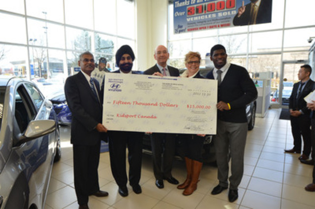 (from l to r) Michael Dukhilall (Mississauga Hyundai General Manager) and Nav Bhatia (Mississauga Hyundai Dealer Principal) present a $15,000 cheque for Hyundai Hockey Helpers to Steve Kelleher (Hyundai Auto Canada Corp. President and CEO), Dawn MacDonald (KidSport Partnership Lead and Ontario Executive Director), and P.K. Subban (Montreal Canadiens Defenceman and Hyundai Hockey Helper). (CNW Group/Hyundai Auto Canada Corp.)