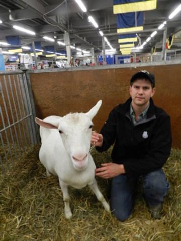 Adrian Franken with Frankenhaven Joseph Carla (CNW Group/Royal Agricultural Winter Fair)