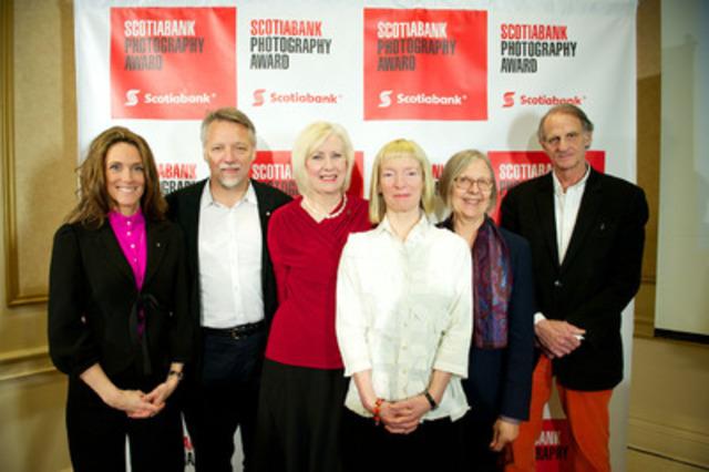 Stan Douglas, Angela Grauerholz et Robert Walker ont été choisis comme finalistes du Prix de photographie Banque Scotia (PPBS) 2013, le prix le plus important décerné chaque année au Canada par des pairs dans le domaine de la photographie. Les noms des photographes retenus ont été annoncés à l'occasion d'un événement médiatique qui s'est tenu au Scotia Plaza, à Toronto, le 5 mars 2013. (Groupe CNW/Banque Scotia)