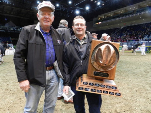 Rob Crest (right) and Larry Bennett. (CNW Group/Royal Agricultural Winter Fair)