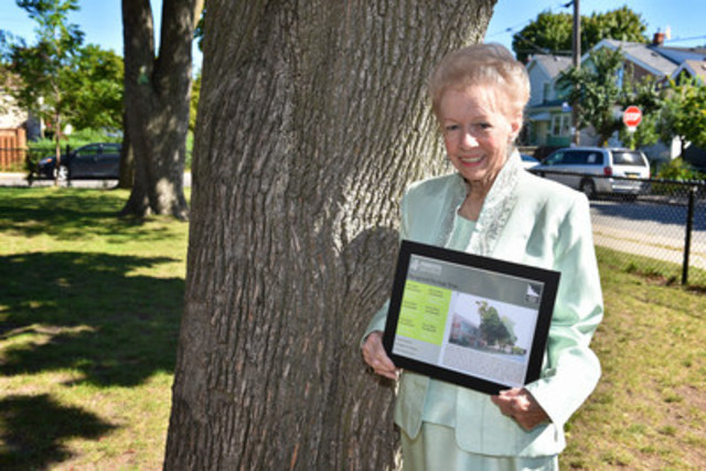 Bonita Nelson who nominated six historic maple trees for recognition by Forests Ontario's Heritage Tree Program. (Photo Credit: Shan Qiao) (CNW Group/Forests Ontario)